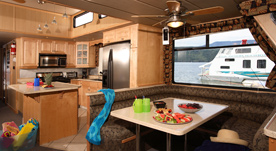 Houseboat Interiors 4